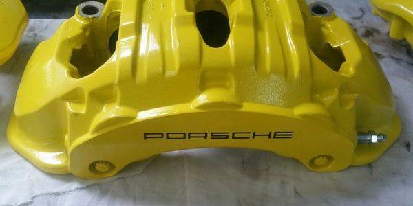 Полимерная (порошковая) покраска суппортов Ремонт тормозов porshe-600x300